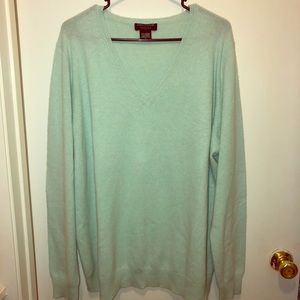 🎉🎉 Lord and Taylor cashmere sweater🎉🎉